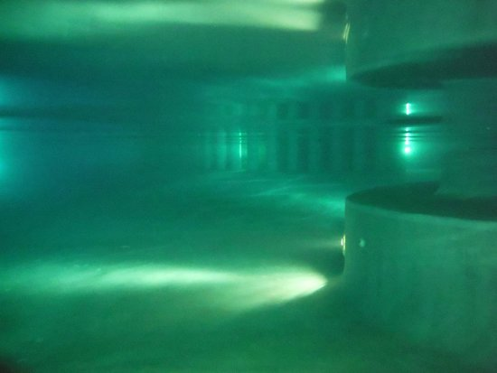 Gran Melia Golf Resort Puerto Rico: Pool underwater at night.