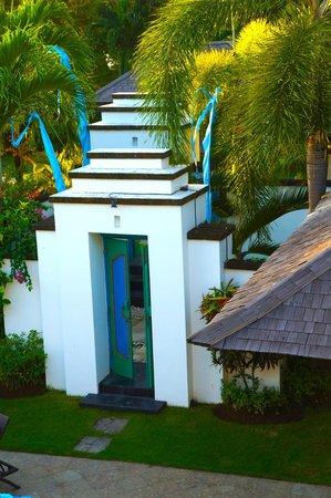 Puri Tirta Villas: Entrance to Villa