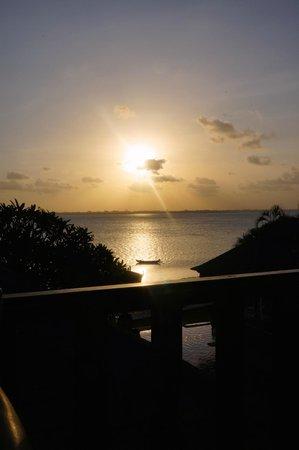 Puri Tirta Villas: Gorgeous Sunsets