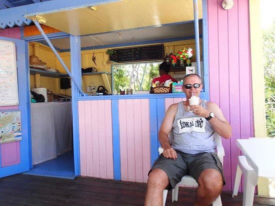 Sea Spray Tropical Gift Shop: Slurping on a smoothie, yummo