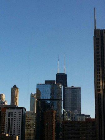 Hyatt Regency Chicago: Great View eve from the 6th floor.