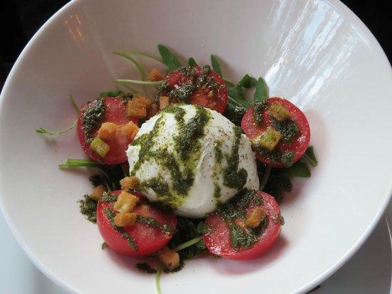 Le Petit Medicis: Great tomato/mozzarella