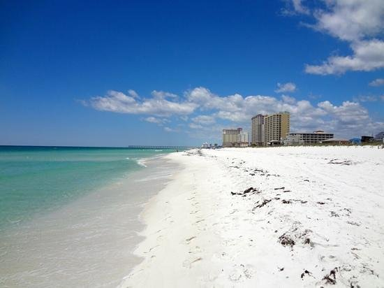 Hilton Pensacola Beach: Down another way...