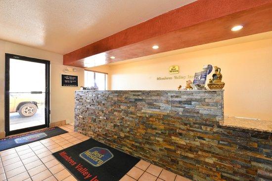 Best Western Deming Southwest Inn: Lobby-Reception Desk