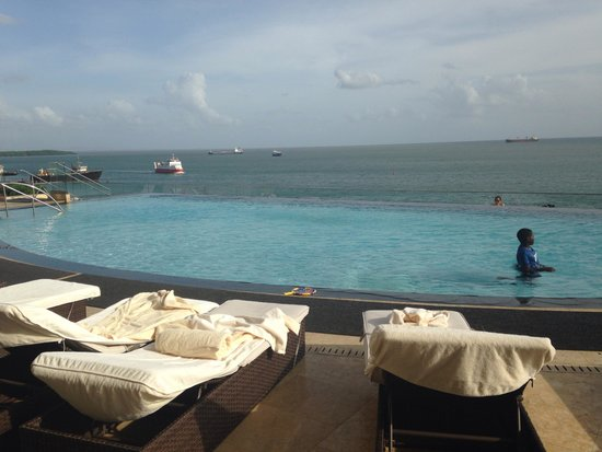 Hyatt Regency Trinidad : Hyatt's rooftop pool