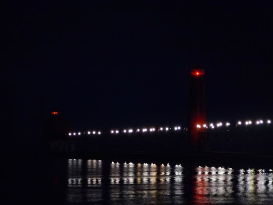 Grand Haven Lighthouse and Pier : Pier/light house/night
