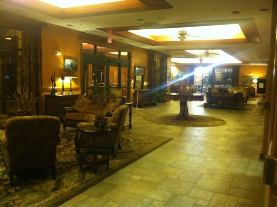The Cody Hotel: Looking across the front lobby