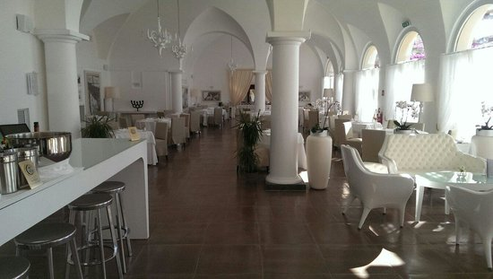 NH Collection Grand Hotel Convento di Amalfi: The dining hall.