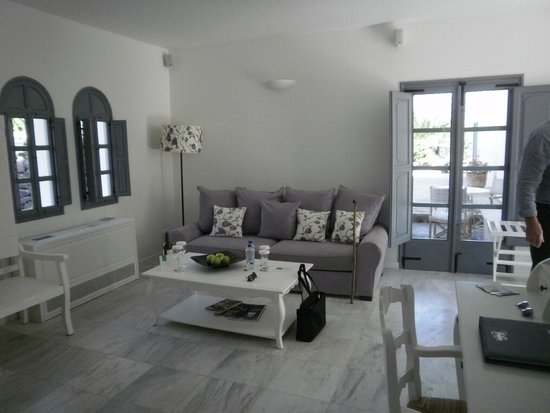 Vedema, a Luxury Collection Resort, Santorini: another view of our room