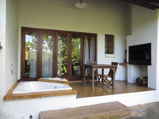 Tsanana Log Cabins & Mulberry Lane Suites: Stoep