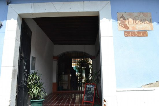 El Hostal Bed and Breakfast: La puerta