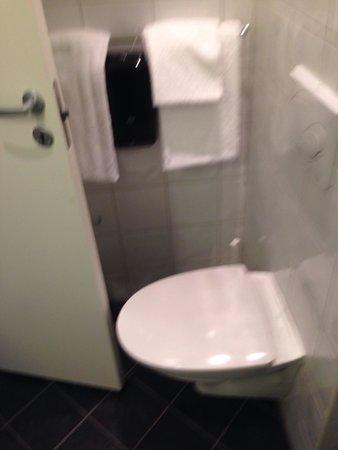 P-Hotels Bergen: Banheiro