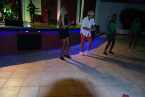 Royal Decameron Montego Beach : Show Nocturno