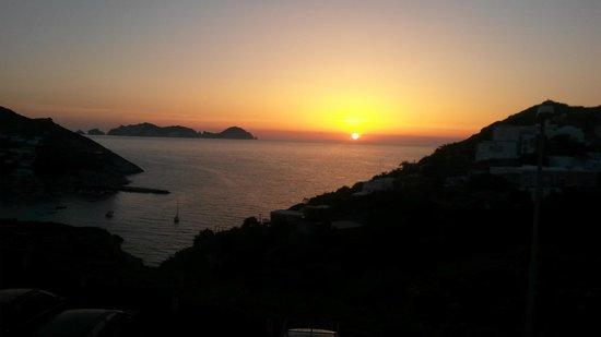 hotel ortensia: panorama al tramonto dalla stanza 8