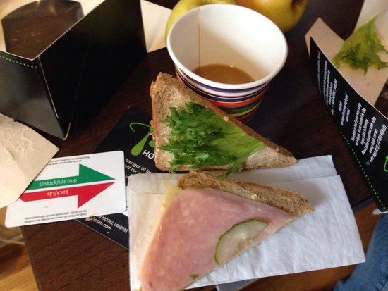 P-Hotels Bergen: Café da manhã
