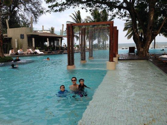 Veranda Resort and Spa Hua Hin Cha Am - MGallery Collection : great time at the pool
