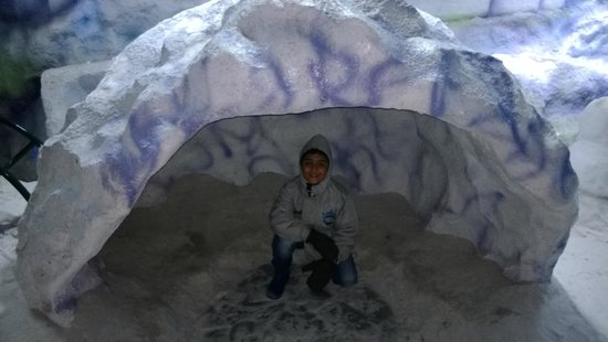Snow World Mumbai: This is the CAVE ! hurray