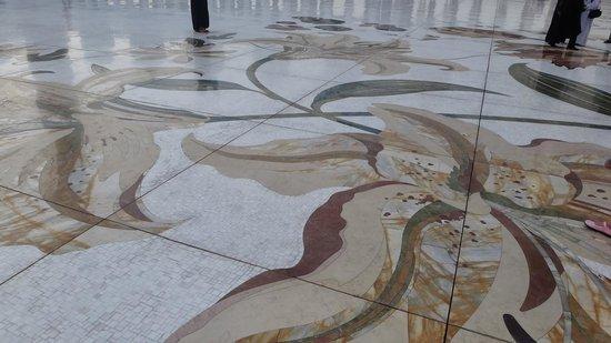 Sheikh  Zayed Mosque: фрагмент пола