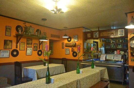 The Boac Hotel: @ Cafe Mamita (Boac Hotel)