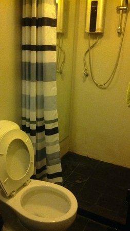 Hotel California: Kamar Mandi