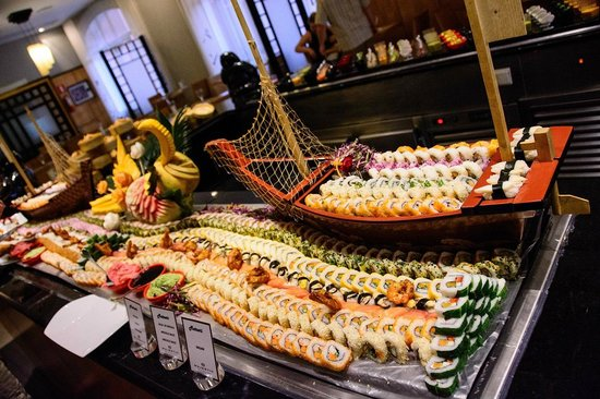 Majestic Colonial Punta Cana: Sushi in the Matsuri
