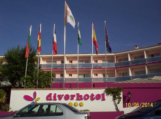 Diverhotel Marbella: Fachada del hotel
