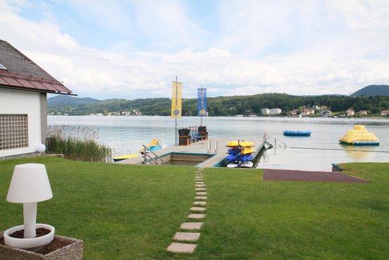Hotel Barry Memle Lakeside Resort: Hotelstrand Teil 2