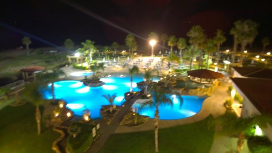 SENTIDO Cypria Bay: sea side view by night
