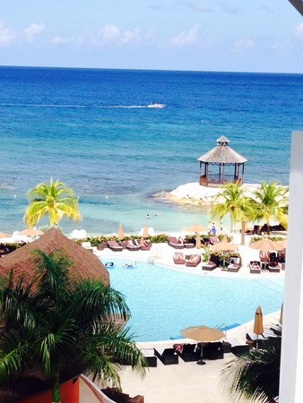Secrets Wild Orchid Montego Bay: Hallway view.