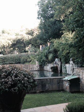 Chez Bruno: Parc... fontaine