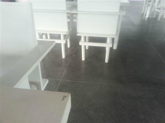 Infinity Residences & Resort Koh Samui: Ugly furniture in restaurant