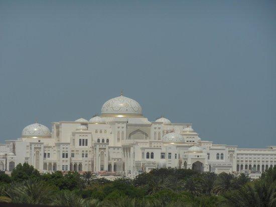 Emirates Palace: the hotel