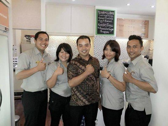 Bemo Corner Coffee Shop: Adi, Dian, Bude, Ririn and Ariel