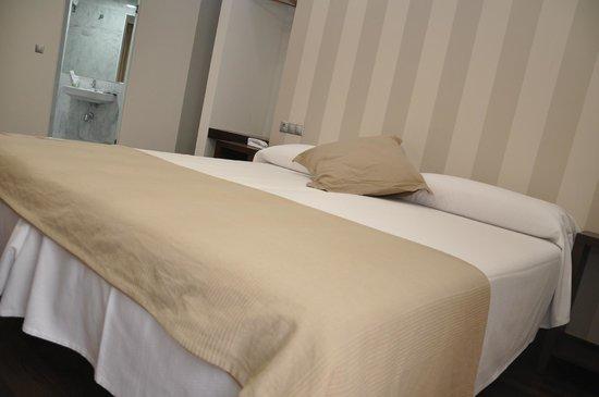 Hotel Cordoba Carpe Diem: Habitacion doble (cama)