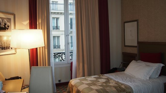 Crowne Plaza Paris Republique : Room