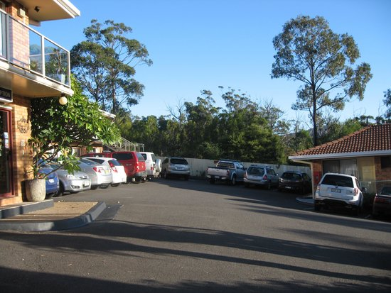 Ocean View Motor Inn: Visitors for the night- parking