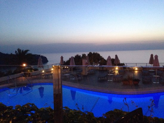Hoposa Costa d'Or Hotel: The view from the restaurant overlooking the pool and sea, lovely!!