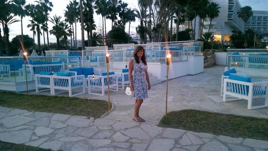 SENTIDO Cypria Bay: blue bar