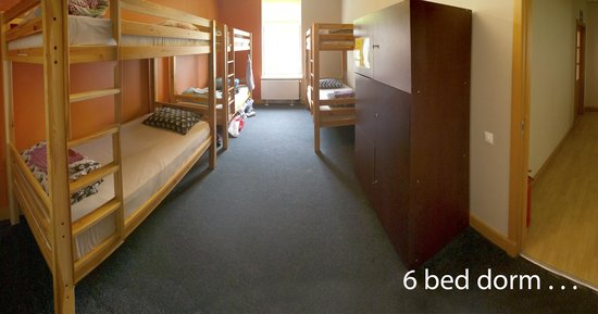 Cinnamon Sally Backpackers Hostel: 6 bed dorm