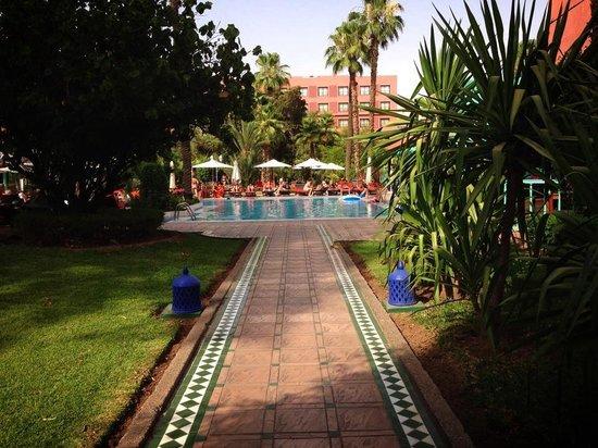 Hotel Kenzi Farah: La piscine