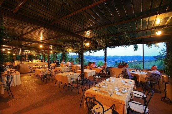 Ristorante Vignale: Restaurant Terrace at Night
