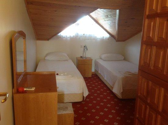 Crescent Hasirci Hotel & Villas: Twin bedroom