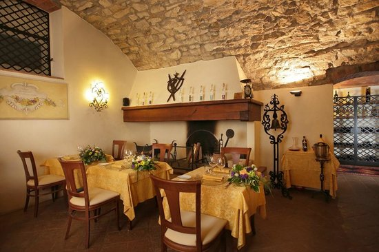 Ristorante Vignale: Fireplace of the Indoor Restaurant