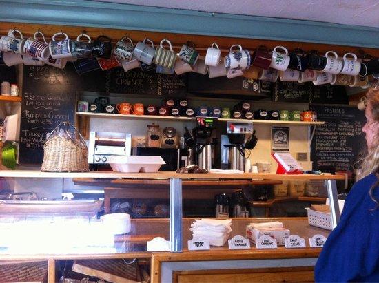 Peaks Cafe: .