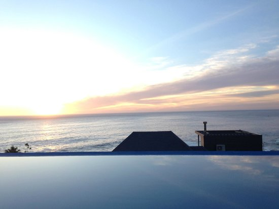 Compass House Boutique Hotel: Sunset