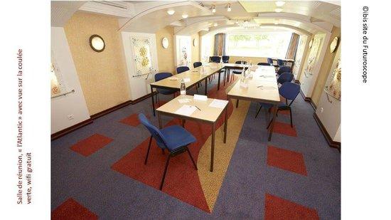 """Hotel Ibis Site du Futuroscope : """"l'atlantique"""" : salle de réunions jusqu'à 19 personnes"""