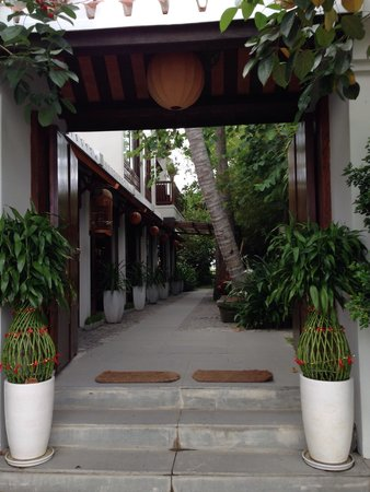 Hoi An Chic Hotel: Front enterance