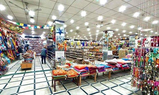 Hotel Hari Piorko: Adjoin Souvenier Shop