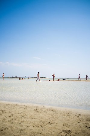Plage d'Elafonissi  : shallow waters