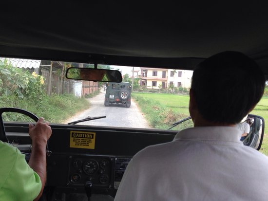 Hoi An Chic Hotel: Jeep shuttle